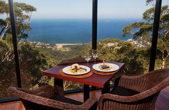 Tumbling Waters Retreat  Restaurant - Victoria Tourism
