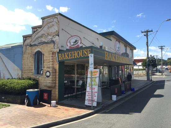 Penguin Country Bakehouse - Victoria Tourism