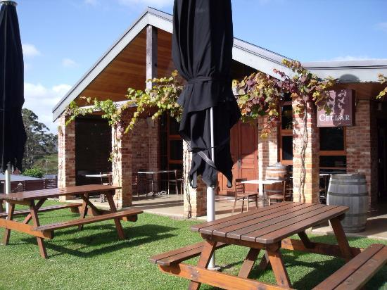 Singlefile Winery Restaurant - Victoria Tourism