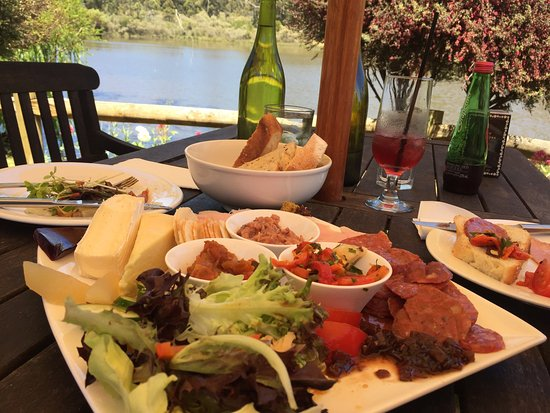 The Lake House Restaurant - Victoria Tourism