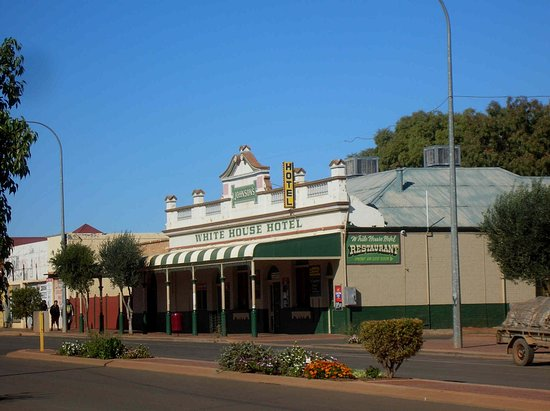 White House Hotel - Victoria Tourism
