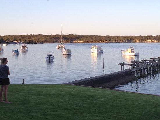 Coffin Bay Yacht Club - Victoria Tourism