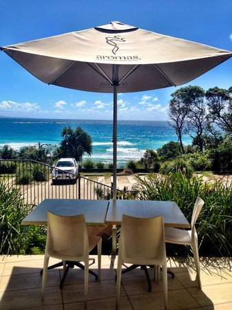 Manta Ray Bistro at Stradbroke Island Beach Hotel - Victoria Tourism
