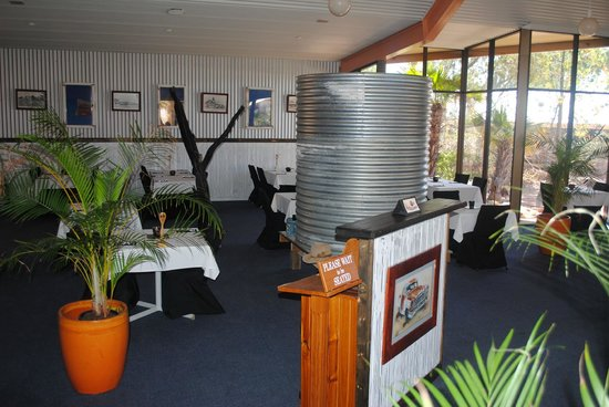 Oasis Restaurant and Bar - Victoria Tourism
