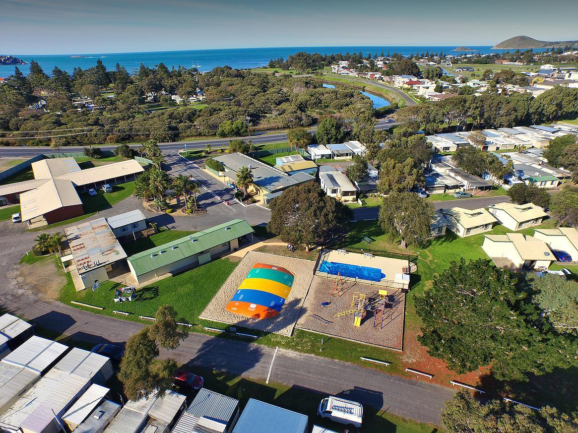 Victor Harbor Holiday  Cabin Park - Victoria Tourism