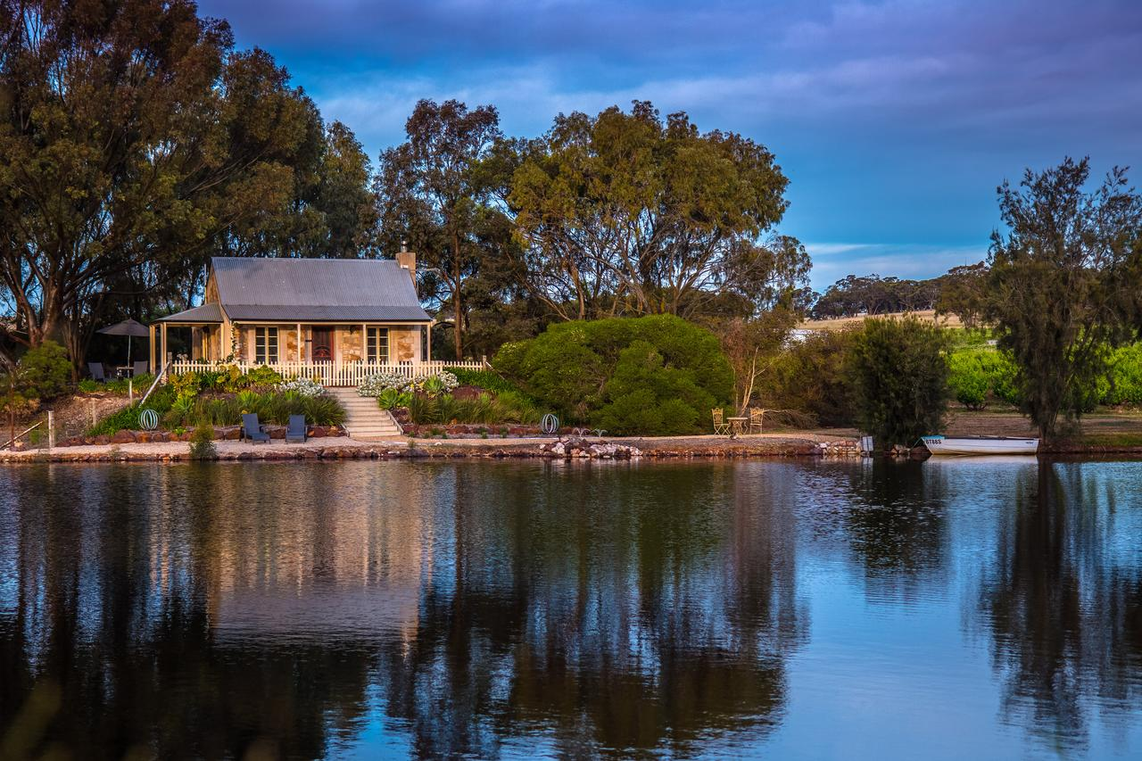 Stonewell Cottages and Vineyards - Victoria Tourism