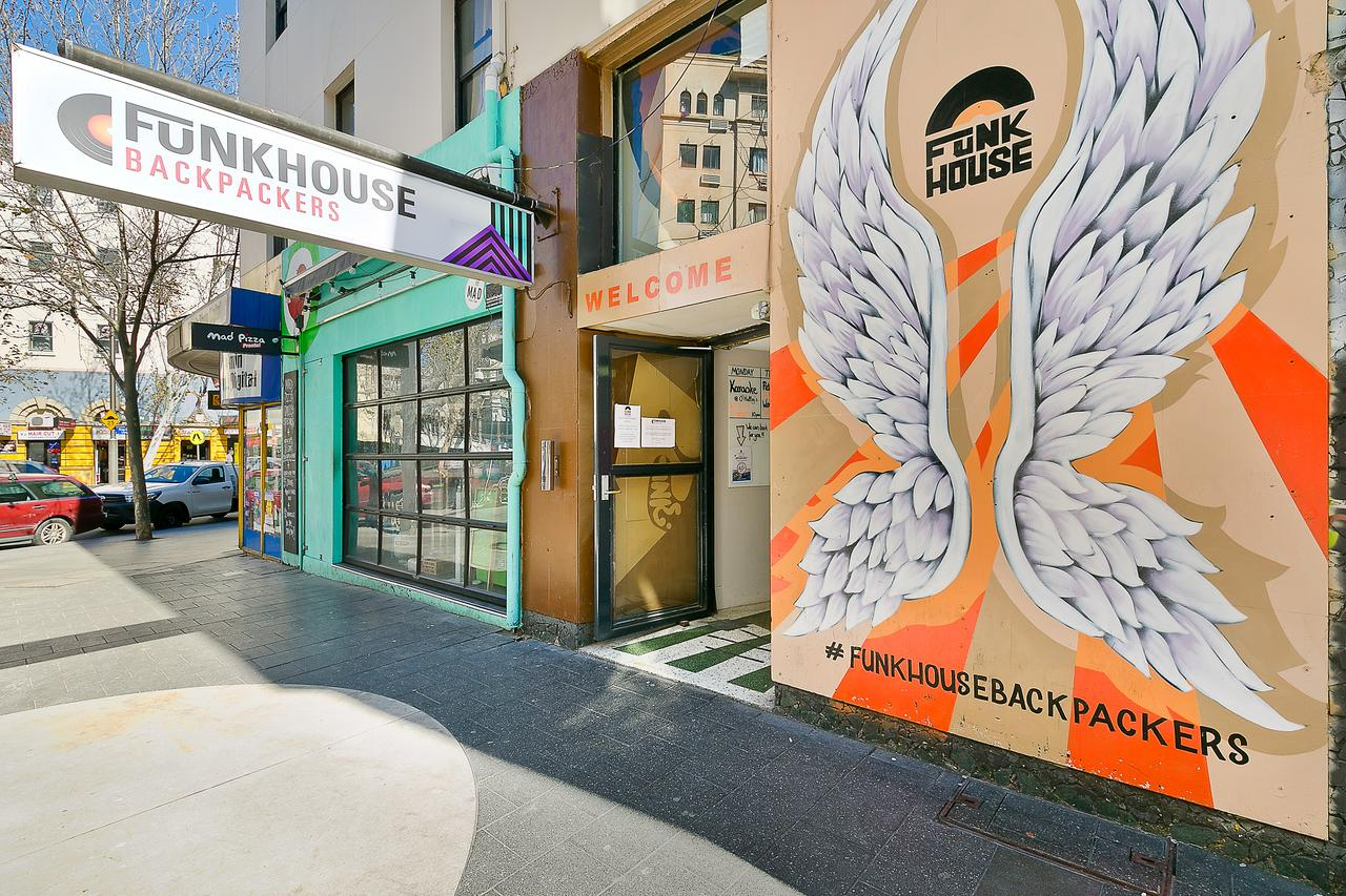 Funk House Backpackers - Victoria Tourism