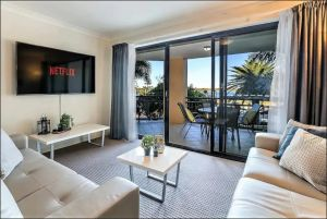 Gold Coast Apartment At Sandcastles On Broadwater - Victoria Tourism