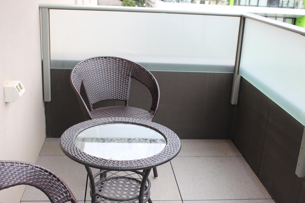 Poplar Box Hill Apartment - Victoria Tourism
