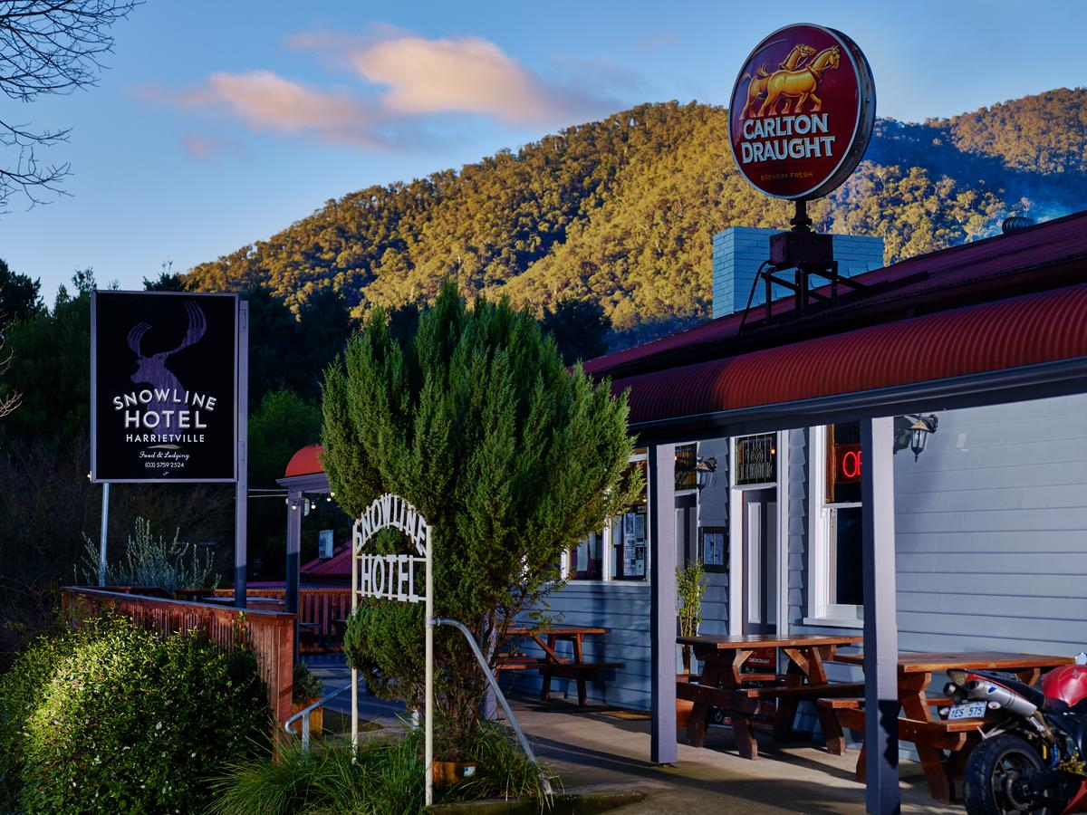 The Harrietville Snowline Hotel - Victoria Tourism