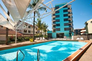 Aqualine Apartments On The Broadwater - Victoria Tourism
